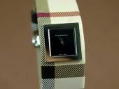 バーバリー 新作&送料込Burberry Signature Collection - Black - Swiss Quartz J-BU0008