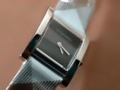 バーバリー 新作&送料込Burberry Classicレディースquartz腕時計 J-BU0006