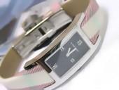 バーバリー 新作&送料込Burberry Classicレディースquartz腕時計 J-BU0003