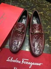 フェラガモ カジュアルシューズ 新作 新品同様超美品 通販&送料込 運動靴 男性用 fg002