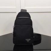 プラダ 新作&送料込&送料込 ロゴジャガード トートバッグ ブラウン PR-1B609