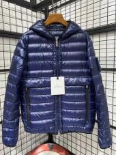 モンクレール ダウンジャケット 新作 両面は着ます 新品同様超美品 通販&送料 MC048