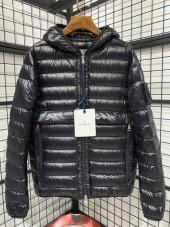 モンクレール ダウンジャケット 新作 両面は着ます 新品同様超美品 通販&送料 MC047