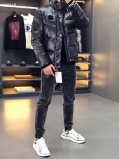 モンクレール ダウンジャケット 新作 新品同様超美品 通販&送料 MC0212