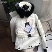 モンクレール ダウンジャケット 新作 新品同様超美品 通販&送料 MC0215